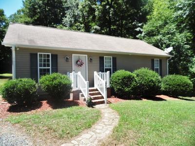 Alamance County Single Family Home For Sale: 6647 Beaver Ridge Court