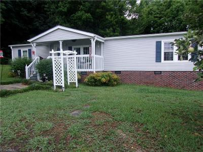 Asheboro Manufactured Home For Sale: 4928 Zoo Parkway