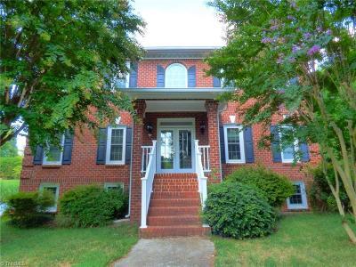 Advance Single Family Home For Sale: 154 Fieldwood Drive