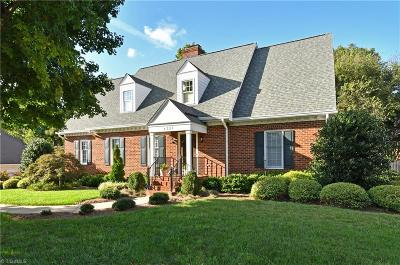 Winston Salem Single Family Home For Sale: 1321 Thornhill Lane