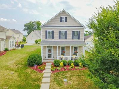 Advance Single Family Home For Sale: 224 Bridgewater Drive