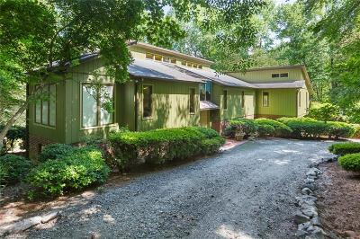 Oak Ridge Single Family Home For Sale: 8111 Hunting Cog Road
