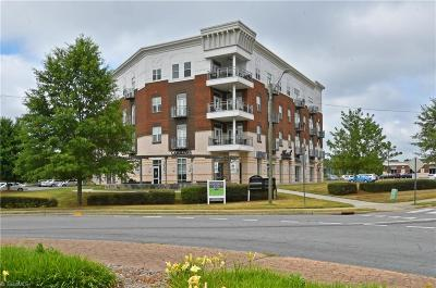Winston Salem Condo/Townhouse For Sale: 1111 Marshall Street #380