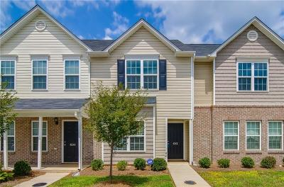 Guilford County Condo/Townhouse For Sale: 4242 Youngstown Drive
