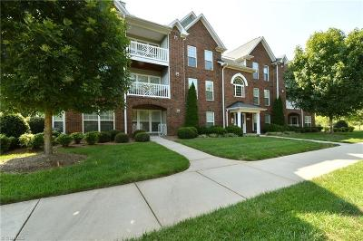 Lewisville Condo/Townhouse For Sale: 130 Shallowford Reserve Drive #302