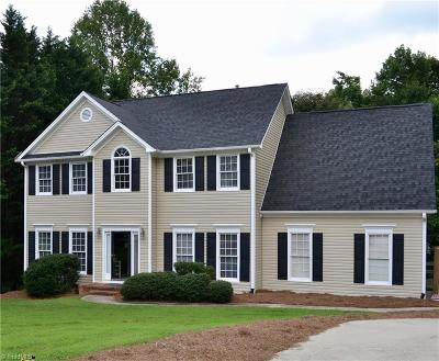 Guilford County Single Family Home For Sale: 3507 Meadowbriar Court
