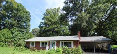 Winston Salem NC Single Family Home For Sale: $165,000