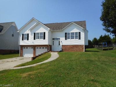 Winston Salem Single Family Home For Sale: 4870 Lance Ridge Lane