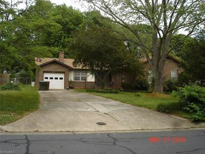 Greensboro Single Family Home For Sale: 2804 Beaconwood Drive