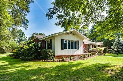 Surry County, Davie County, Yadkin County, Stokes County, Forsyth County, Davidson County, Rockingham County, Guilford County, Randolph County, Caswell, Alamance County Single Family Home For Sale: 550 Woodvale Drive