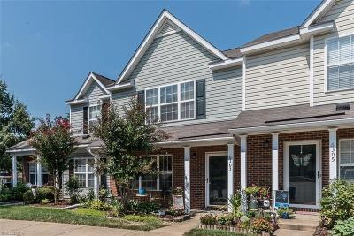 Whitsett Condo/Townhouse For Sale: 6303 Sweetbay Drive