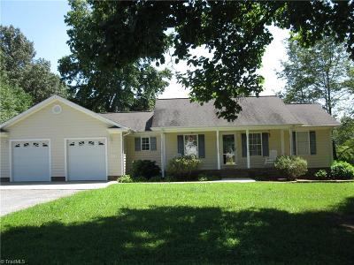 Stoneville Single Family Home For Sale: 272 Overland Trail