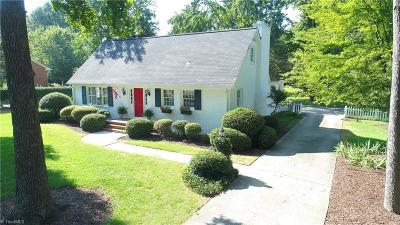 Burlington Single Family Home For Sale: 924 Kimberly Road