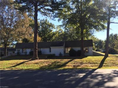 Surry County, Yadkin County, Davie County, Stokes County, Forsyth County, Davidson County, Rockingham County, Guilford County, Randolph County, Caswell County, Alamance County Single Family Home For Sale: 400 Wilshire Drive