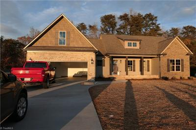Reidsville Single Family Home For Sale: 162 Oak Leaf Drive