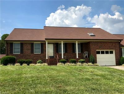 Alamance County Single Family Home For Sale: 1807 Meadow Green Drive