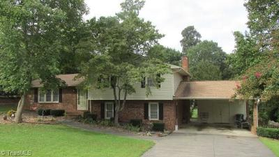 Clemmons Single Family Home For Sale: 1379 Glen Oaks Road