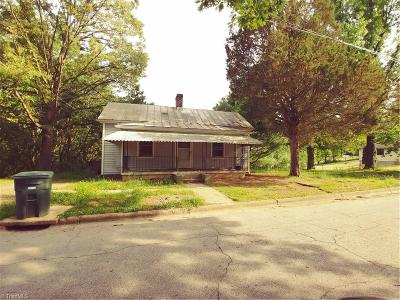 Rockingham County Single Family Home For Sale: 733 Davis Street