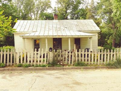 Rockingham County Single Family Home For Sale: 734 Davis Street