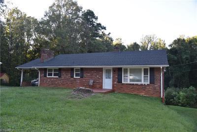 Winston Salem Single Family Home For Sale: 5001 Romara Drive