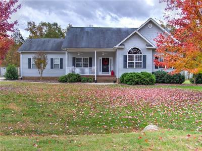Rockingham County Single Family Home For Sale: 241 River Run Drive