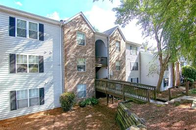 Clemmons Condo/Townhouse For Sale: 4021 Whirlaway Court #J