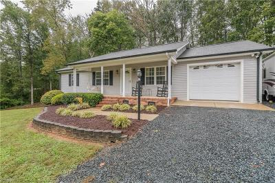 Asheboro Single Family Home For Sale: 2442 Winding Woods Lane