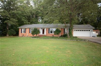 Greensboro Single Family Home For Sale: 5004 Huntmaster Trail