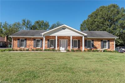 Clemmons Single Family Home For Sale: 3120 Middlebrook Drive