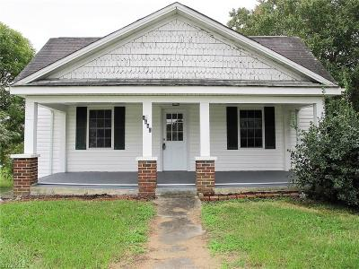 Single Family Home Sold: 1440 E Pine Street