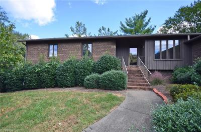 Winston Salem Single Family Home For Sale: 216 Ridgehaven Drive