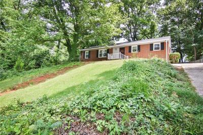 Greensboro Single Family Home For Sale: 2703 Cornwallis Drive