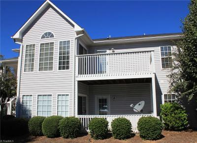 Clemmons Condo/Townhouse For Sale: 7126 Riverview Knoll Court