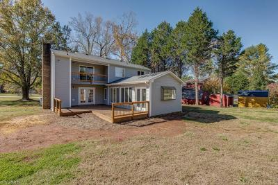Mocksville Single Family Home For Sale: 218 Pine Valley Road