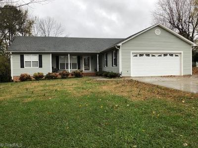 Mocksville Single Family Home For Sale: 127 Meadowview Road