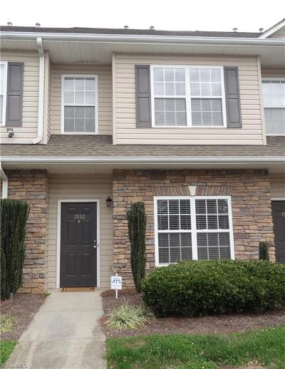 Winston Salem Condo/Townhouse For Sale: 1550 Thresher Lane