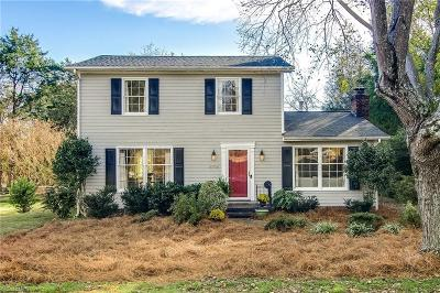 Winston Salem Single Family Home For Sale: 4704 Crestview Drive