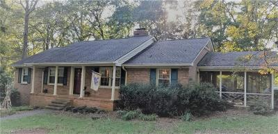 Winston Salem Single Family Home For Sale: 4660 Forest Manor Drive