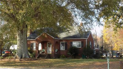 Oak Ridge Single Family Home For Sale: 8458 Haw River Road