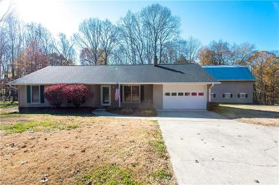 Kernersville Single Family Home For Sale: 446 Hopkins Road