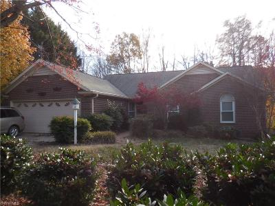 Greensboro Single Family Home For Sale: 3607 Friendly Acres Drive
