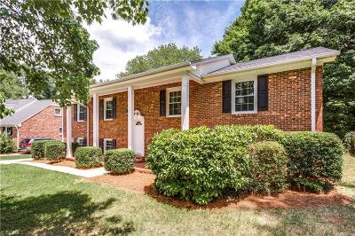 Greensboro Single Family Home For Sale: 1700 Clarendon Drive