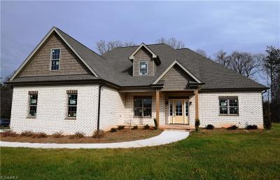 Rockingham County Single Family Home For Sale: 195 Sitting Rock Drive