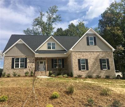 Winston Salem Single Family Home For Sale: 182 Indigo Court