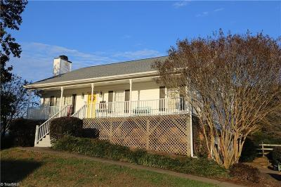 Clemmons NC Single Family Home For Sale: $187,500