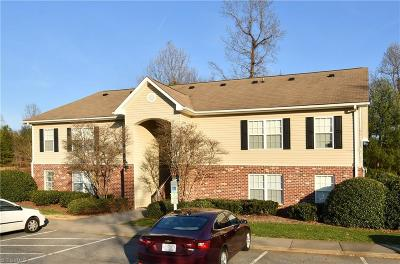 Winston Salem Condo/Townhouse For Sale: 1920 Crest Hollow Drive #203