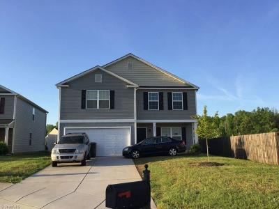 Greensboro Single Family Home For Sale: 3612 Blue Spruce Court