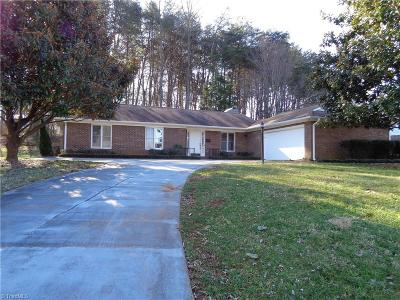 Kernersville Single Family Home For Sale: 215 Vandyke Street