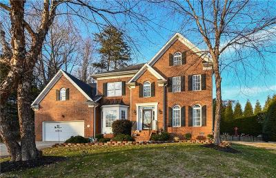 Kernersville Single Family Home For Sale: 205 Oakmont Park Court
