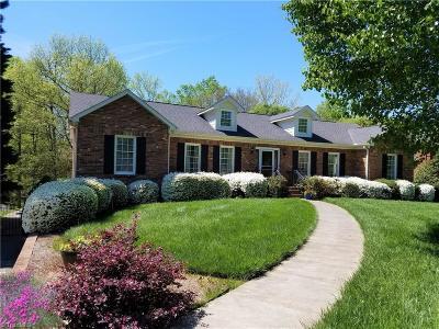 Winston Salem Single Family Home For Sale: 1745 Huntington Woods Court